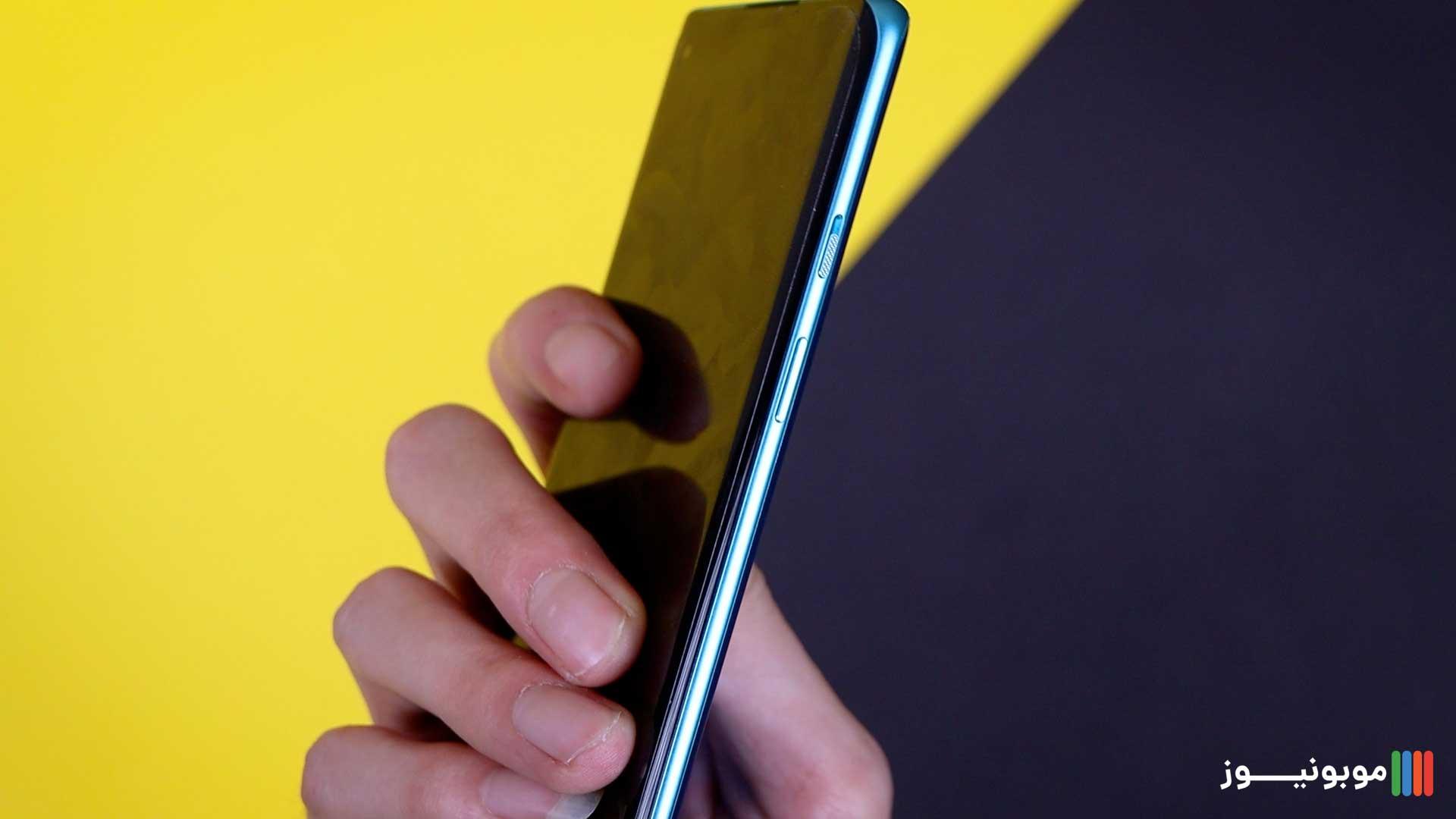 طراحی سمت راست OnePlus 8