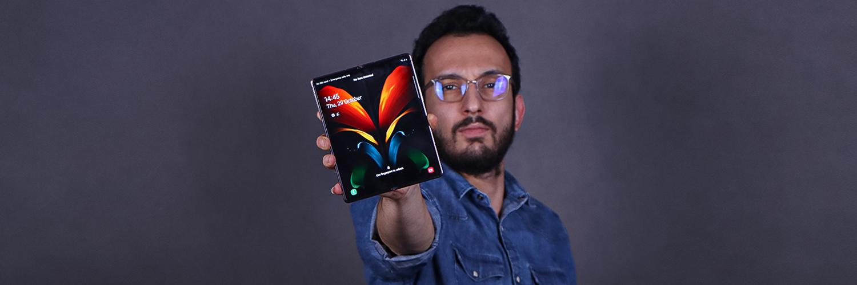 بررسی گوشی Galaxy Z Fold 2