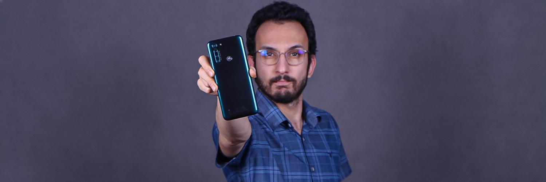 بررسی گوشی Motorola One Fusion